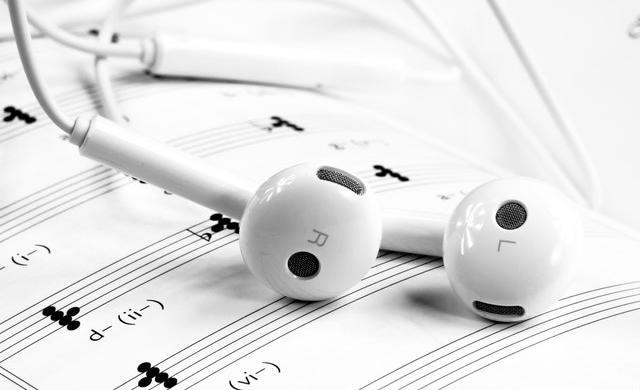 イヤホンと楽譜
