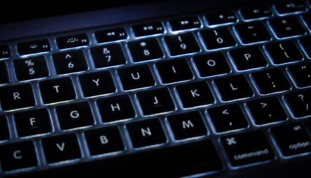 シンプルな光るキーボード