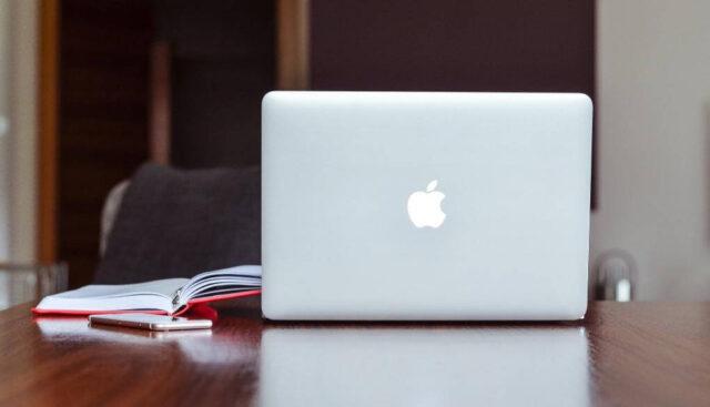 アップルのノートパソコン
