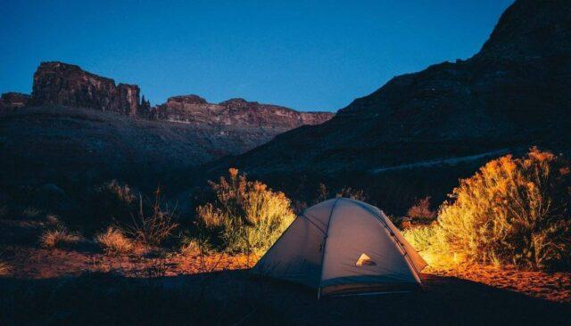 テント、夜