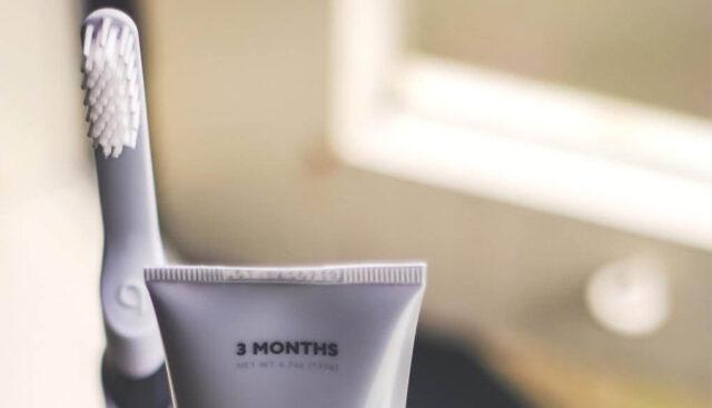 電動歯ブラシと歯磨き粉