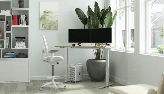 オフィスの小さな椅子