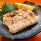 お皿によそった焼き魚
