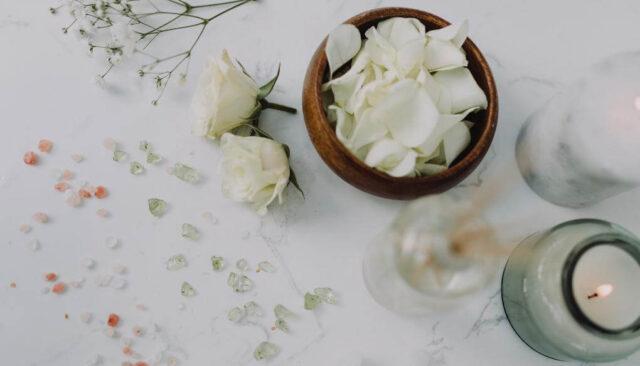バスタイム、花びら