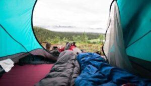 テントの中に寝袋