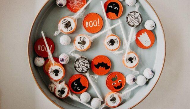 ハロウィンのイラストが描かれたキャンディ